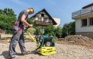 מהדק אדמה לגינון ופיתוח נוף