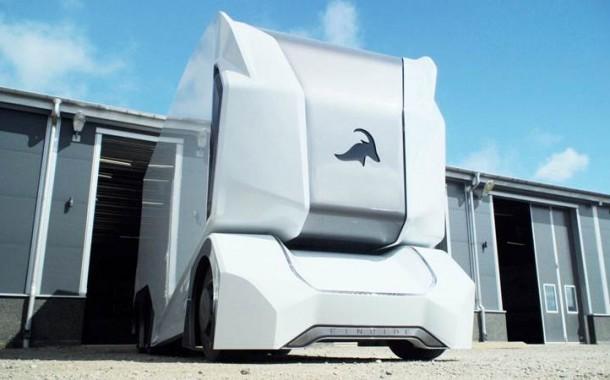 בדרך: משאית ללא נהג (וידאו)
