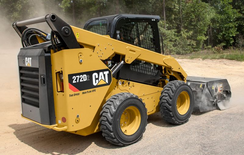 Cat 272D3 SSL with BU118 Utility Broom
