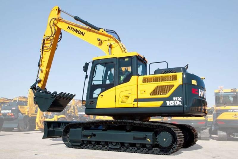 מחפר יונדאי HX160L