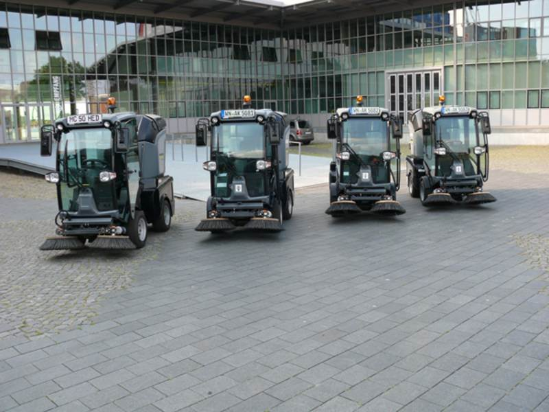 מכונת טיאוט כבישים היברידית Kärcher