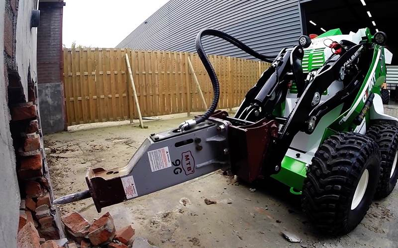 GIANT E-skid steer