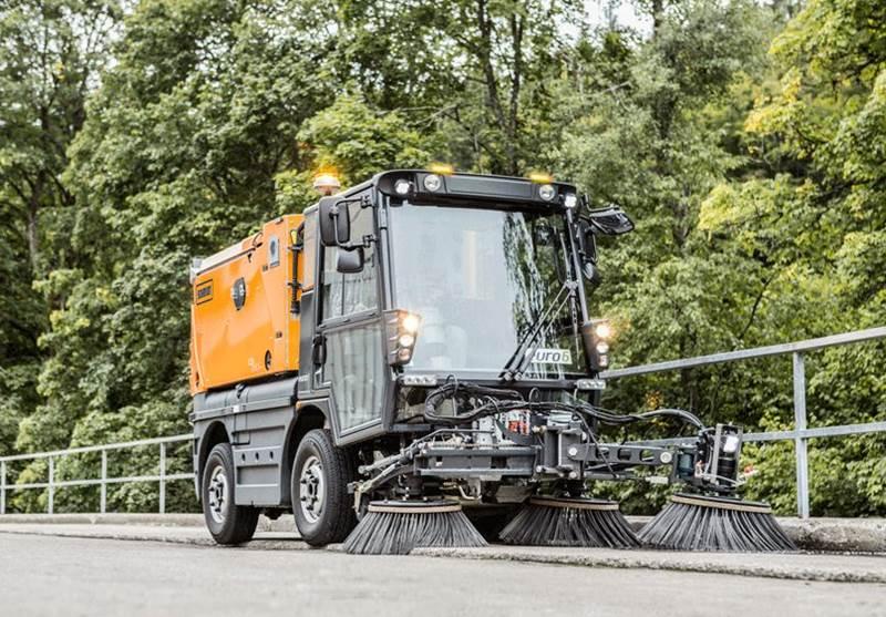 רכב טיאוט כבישים ומדרכות Schmidt Swingo 200+ Koanda