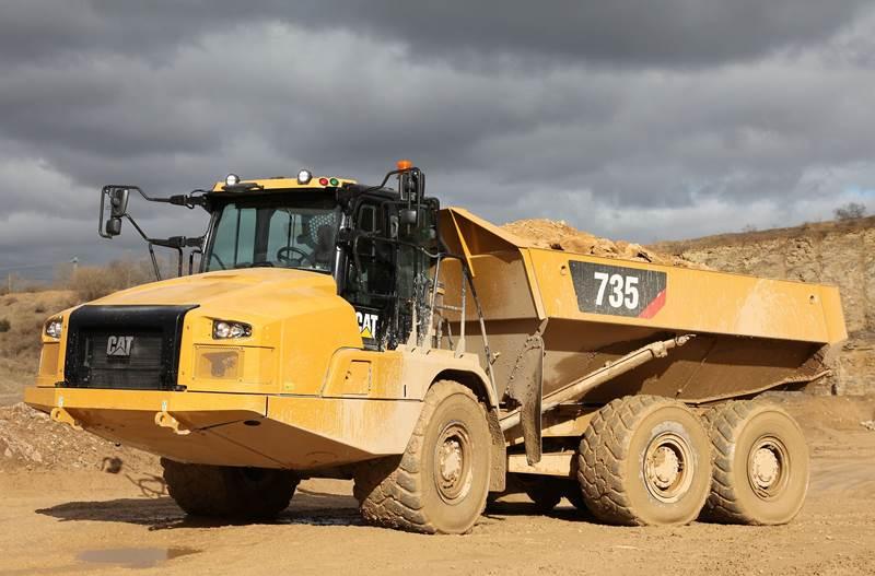 משאית פירקית קטרפילר 735