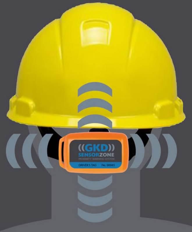 חיישן SensorZone מחובר לקסדת בטיחות