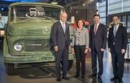 יובל 50 למפעל המשאיות הגדול בעולם